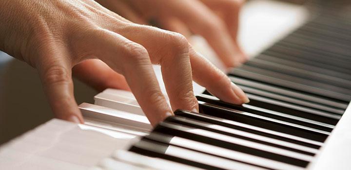 melanie-bridle-piano-lessons